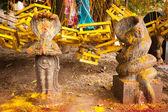 Hinduistische fromme steinerne idole im tempel. indien — Stockfoto