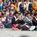 Tibetan musicians clothes playing folk music — Stock Photo