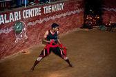 Indian man performing Kalaripayattu, traditional ancient martial art — Foto de Stock