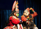 Indian actor performing tradititional Kathakali dance drama — Stock Photo