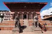 Nepalese volk en toeristen een bezoek aan durbar square, nepal. kathmandu, nepal — Zdjęcie stockowe