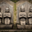 Sculpture of praying peoples. Nepal — Stock Photo