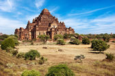 Ancient architecture of Buddhist Temples at Bagan Kingdom, Myanmar — Stock Photo