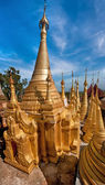 Golden stupas of Shwe Indein Pagodaю Indein village, Inle Lake, Shan State, Myanmar (Burma) — Stock Photo