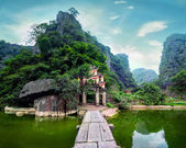 Ancient buddhist pagoda cave complex Bich Dong. Ninh Binh, Vietnam — Stock Photo