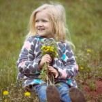 Постер, плакат: Girl with dandelions