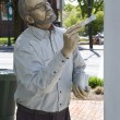 "Sculpture called ""Weekend Painter"" by J. Seward Johnson — Stock Photo"