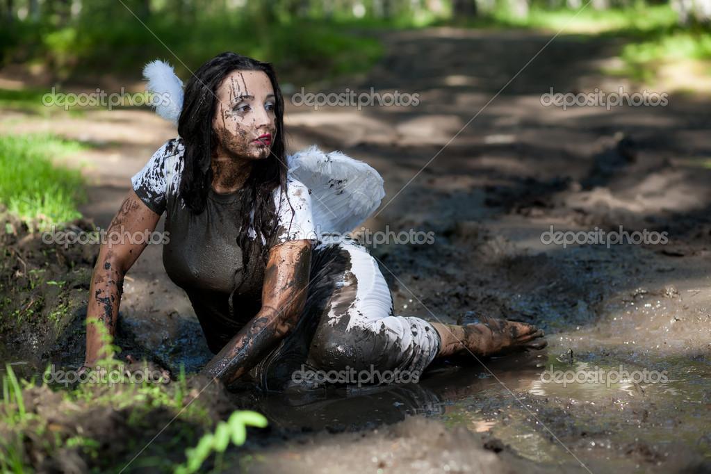 Девушки в грязи порно109