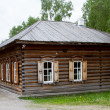 Russian nineteenth-century timbered log hut — Stock Photo