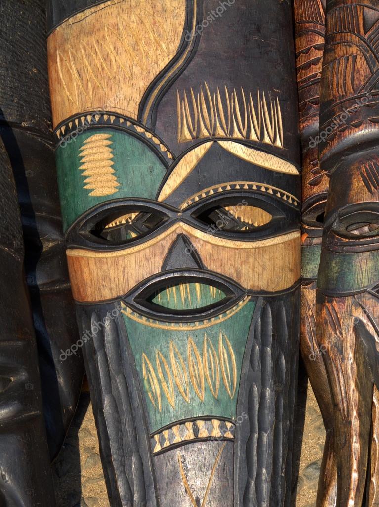 手工制作木制面具从非洲树的木头雕刻的装饰