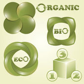 Vector eco, bio, and organic labels — Stock Vector
