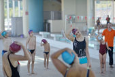 Happy childrens at swimming pool — 图库照片