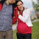 casal feliz ao ar livre — Foto Stock #16027193