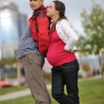 casal feliz ao ar livre — Foto Stock #16027203