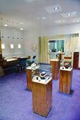 Juwelier binnenshuis — Stockfoto