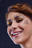 Schöne frau mit luxus make-up — Stockfoto