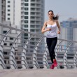 Woman jogging at morning — Stockfoto