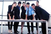 бизнес люди группы на встрече в офисе — Стоковое фото