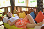 Spa treatment at tropical resort — Stock Photo