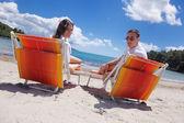 Par på stranden — Stockfoto