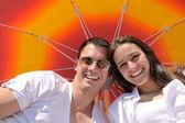 Pár pod deštníkem — Stock fotografie