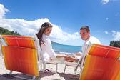 Couple at  the beach — Stockfoto