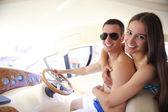 ヨットでのカップル — ストック写真