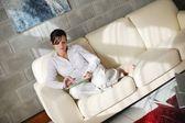 Mujer con tablet pc — Foto de Stock