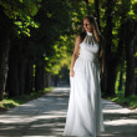 Beautiful bride outdoor — Stock Photo #7094550