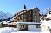 Hotel in Muerren, famous Swiss skiing resort — Stock Photo