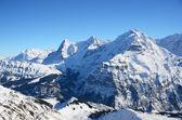 Eiger, moench en jungfrau, beroemde zwitserse bergen pieken — Stockfoto