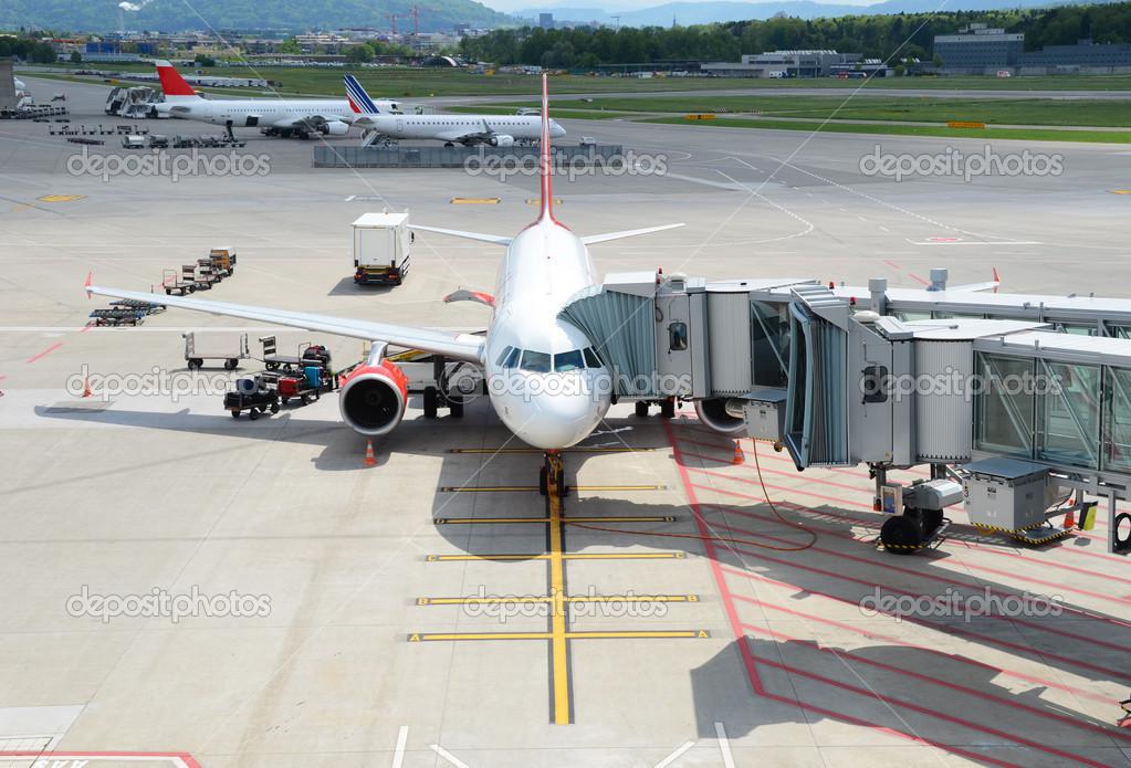 飞机准备登机 - 图库图片