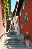 Narrow street of Varenna town at the lake Como, Italy — Stock Photo
