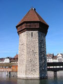 Old water tower -- symbol of Lucerne — Stock Photo
