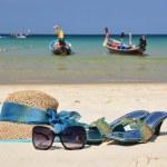 Straw hat on the beach of Phuket island, Thailand — Stock Photo #21015695
