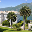 villa melzi in bellagio town at the famous italian lake como — Stock Photo