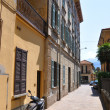 Narrow street of Menagio town at the famous Italian lake Como — Stock Photo #21024967