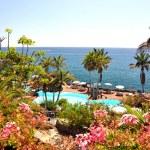 Luxurious resort at the Atlantic ocean. Tenerife island, Canarie — Stock Photo #21029953