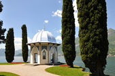 Villa melzi en el lago de como, italia — Foto de Stock