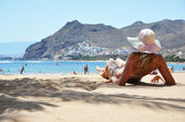 Beach scene. Playa de la Teresitas. Tenerife, Canaries — Stock Photo