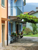 Traditional Italian yard in Cannobio. Italy — Stock Photo