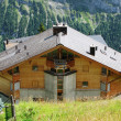 Holiday cottages in Mueren, famous Swiss skiing resort - Stockfoto
