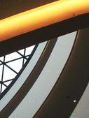 Interior de un edificio moderno — Foto de Stock