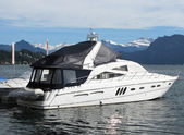 Luxurious powerboat in the port of Lucerne, Switzerland — Stock Photo