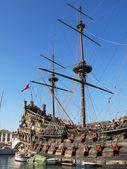 Español antiguo galeón en el puerto de génova, italia — Foto de Stock