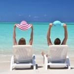 A couple on the beach of Exuma, Bahamas — Stock Photo