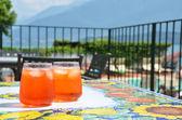 Paire de spritz italiens traditionnels cocktails — Photo