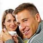 op datum in restaurant man en vrouw (echt) paar — Stockfoto