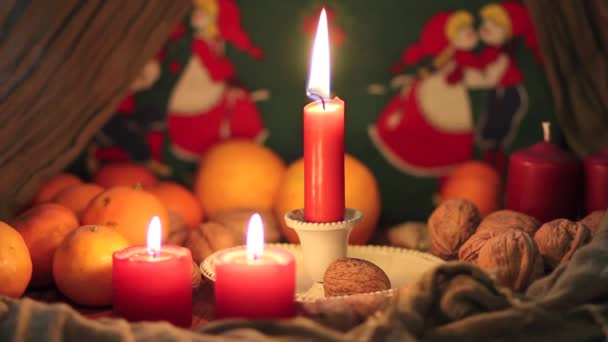 Noix et bougies — Vidéo