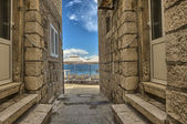 Street in the old town Korcula, Croatia — Foto de Stock